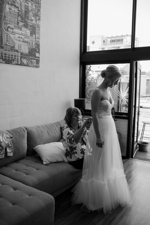 relaxed-wedding-photographer-melbourne-moondog-brewery-collingwood_0037.jpg