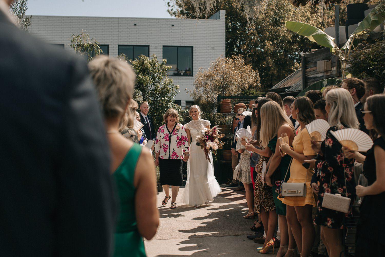 relaxed-wedding-photographer-melbourne-moondog-brewery-collingwood_0070.jpg