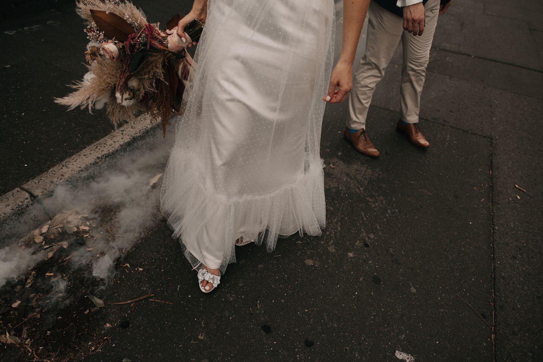 relaxed-wedding-photographer-melbourne-moondog-brewery-collingwood_0118.jpg