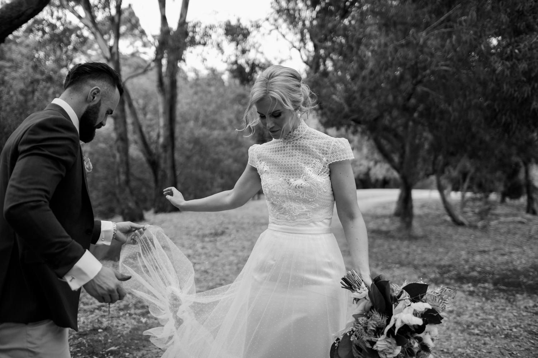 relaxed-wedding-photographer-melbourne-moondog-brewery-collingwood_0123.jpg