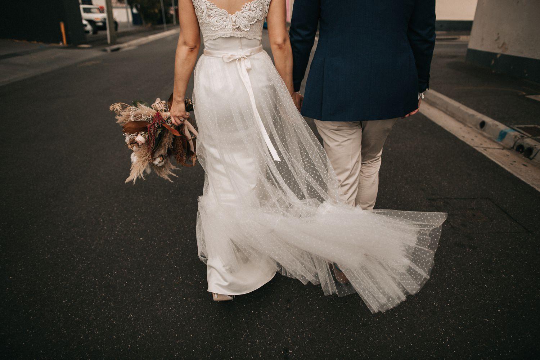 relaxed-wedding-photographer-melbourne-moondog-brewery-collingwood_0124.jpg