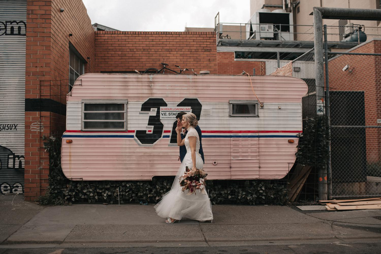 relaxed-wedding-photographer-melbourne-moondog-brewery-collingwood_0128.jpg
