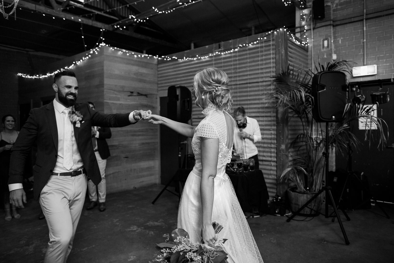 relaxed-wedding-photographer-melbourne-moondog-brewery-collingwood_0143.jpg