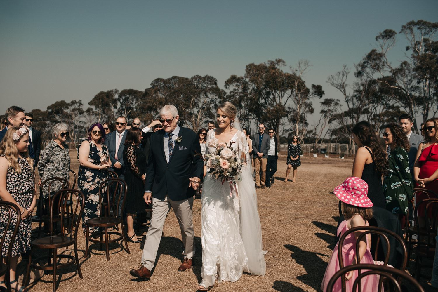 relaxed-wedding-photographer-melbourne-bellarine-peninsula-baie-winery_0031.jpg