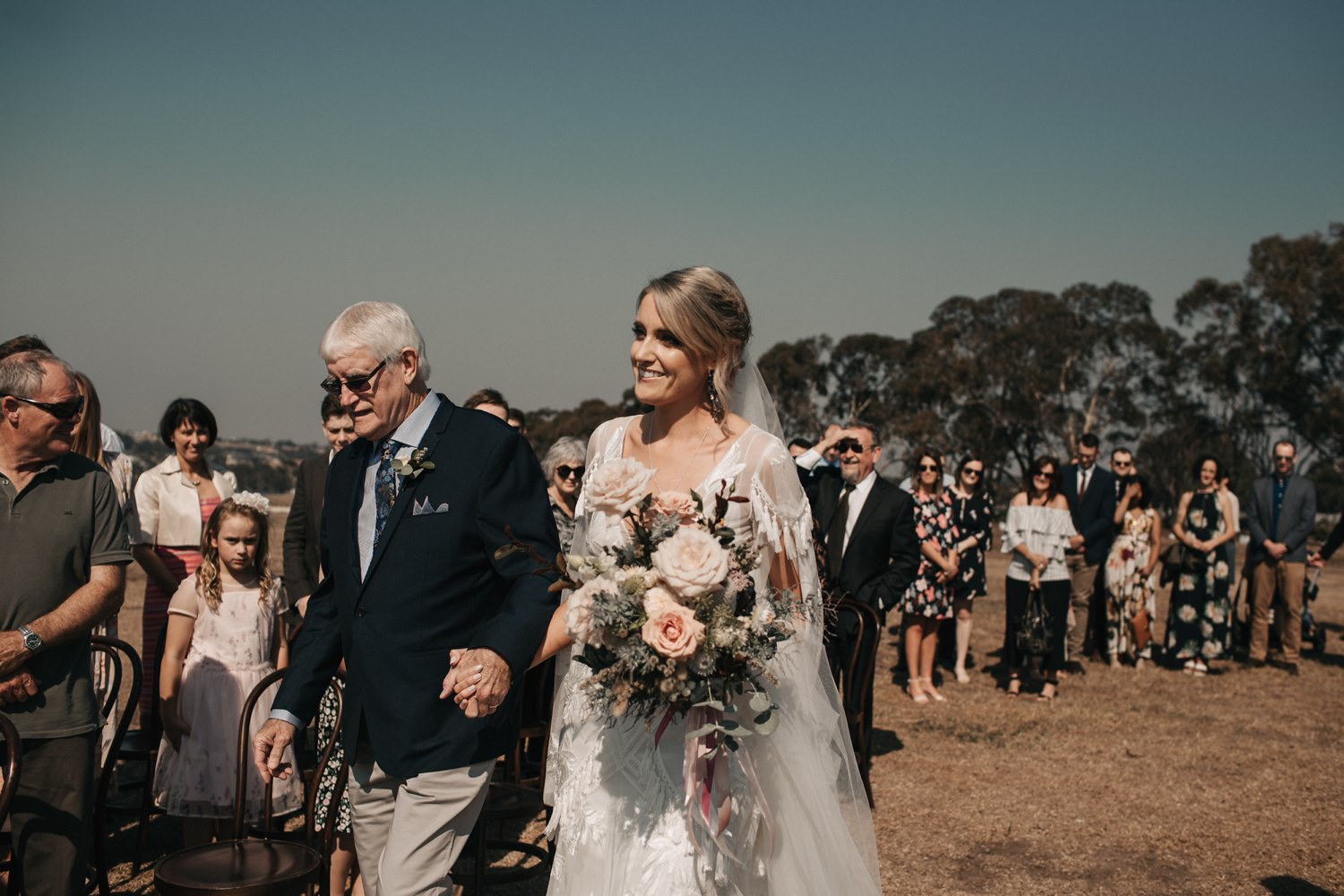 relaxed-wedding-photographer-melbourne-bellarine-peninsula-baie-winery_0032.jpg