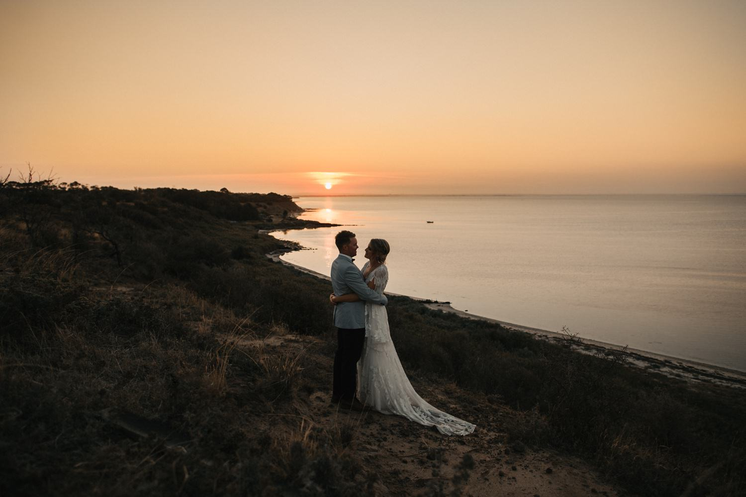 relaxed-wedding-photographer-melbourne-bellarine-peninsula-baie-winery_0113.jpg