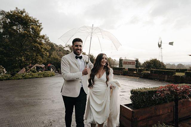When you venture out for sunset photos but come back like this! ☔️ . . . . . #melbournephotographer#melbourneweddingphotographer#folkportraits#nzwedding#weddingdetails#australianwedding#letsgosomewhere#rfwppi#makeportraits#documentarywedding#countrywedding#fineartphotography#melbournefolk#thevisualcollective#folkwedding#weddingdress#californiawedding#weddingidea#weddinginspo#bride#weddingfashion#bohowedding#weddinginspiration#photojournalism#yourockphotographers#heyheyhellomay#fearlessphotographer#bohobride#momentsovermountains