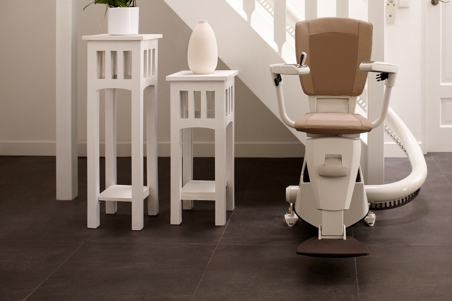 Flow 2 Inside Bend Stairlift