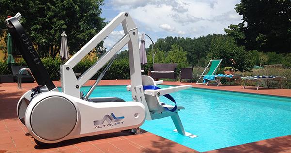 i-swim-portable-swimming-pool-hoist-manchester.jpg