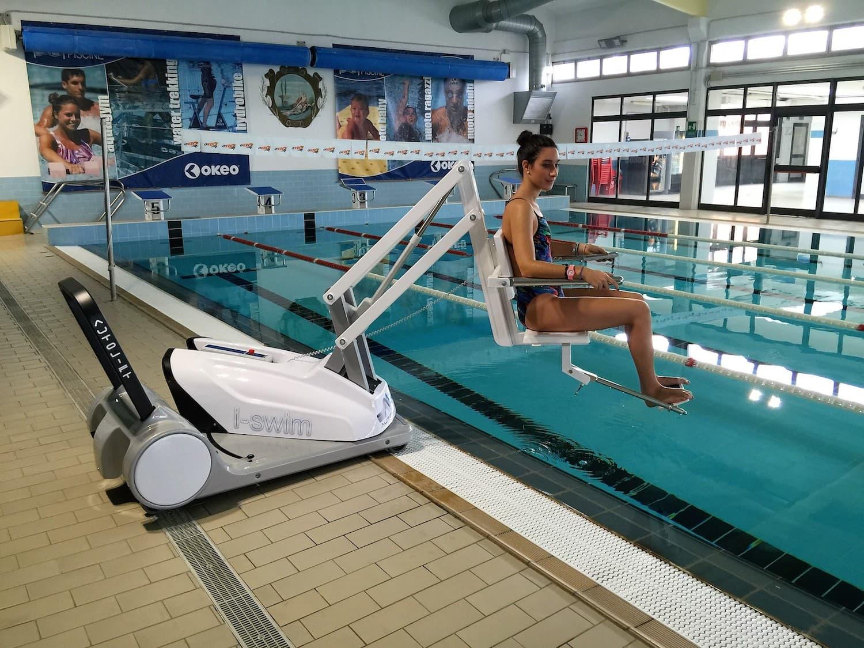 i-swim-2-pool-lift-hoist.jpg