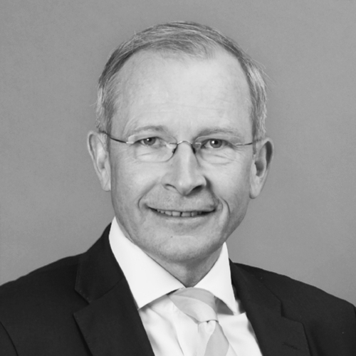 Risto E.J. Penttilä - C.E.O.C.E.O. of Finland Chamber of Commerce 2010-2017Secretary General of the European Business Leaders' Convention 2002-Member of the Finnish parliament 1995-1999Yale University (B.A.), Oxford University (D.Phil., M.Phil.)
