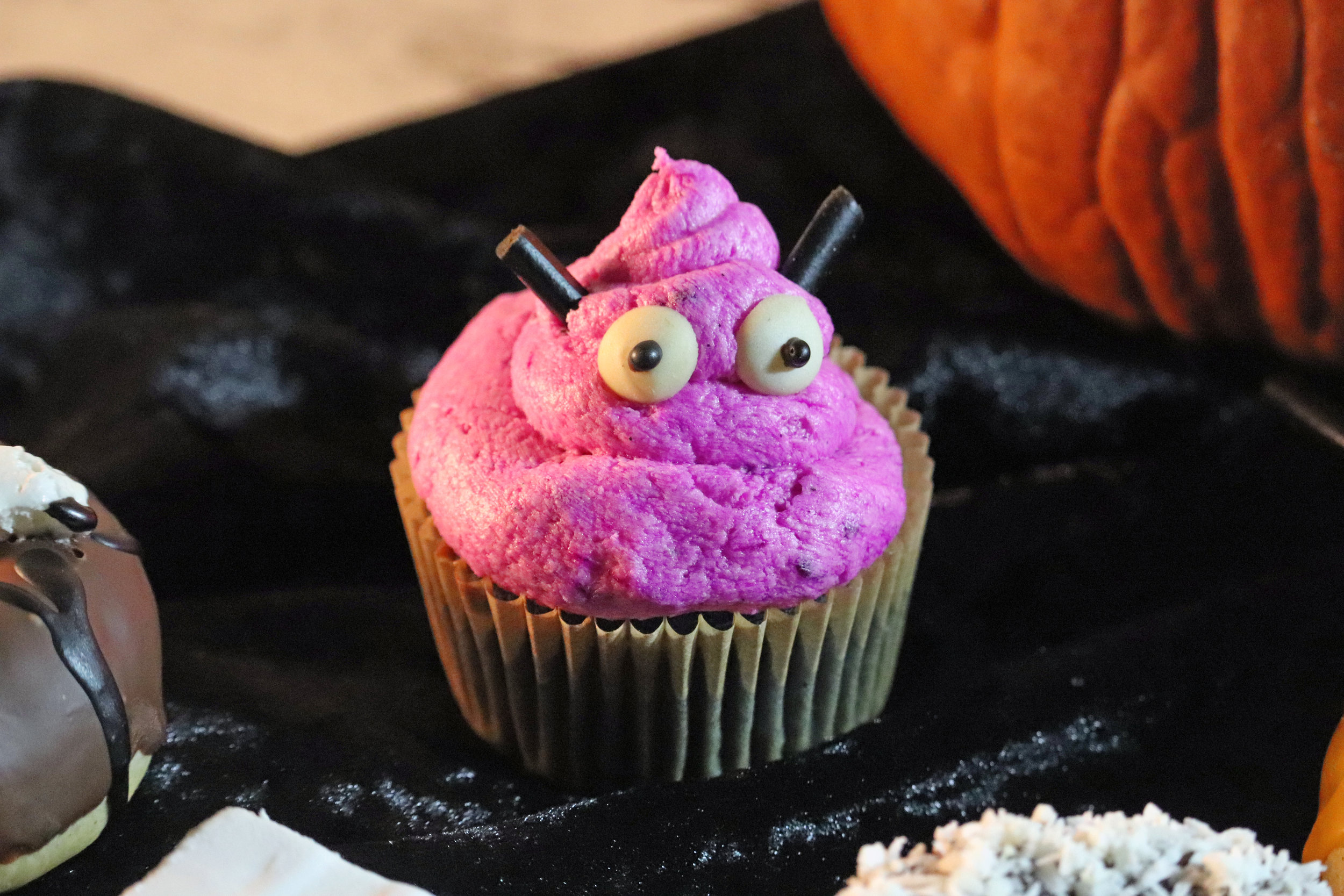 halloween-donuts-monster.jpg