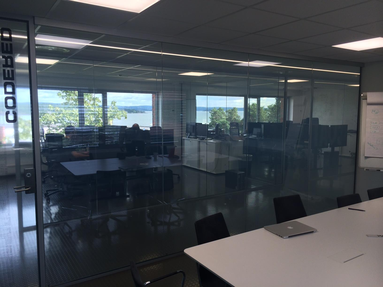 ELECTRIC PRIVACY I-GLASS TOUGHENED OFFICE CLEAR.jpg