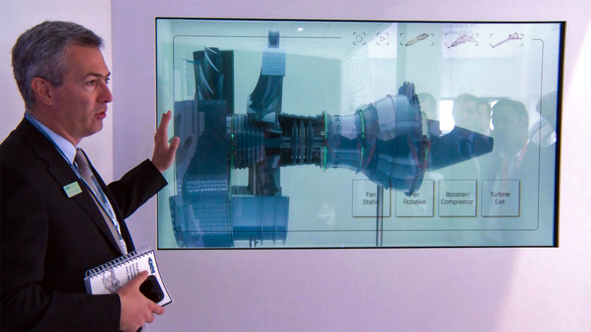 interactive-transparent-screen-store-window-displays.jpg