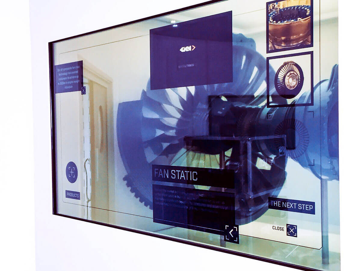 transparent-touch-screens-visitor-attractions.jpg
