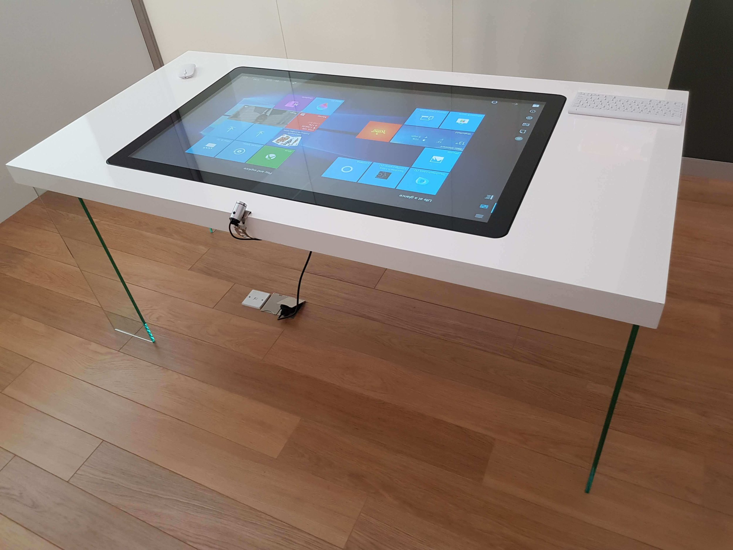 Designer-Interactive-Touch-Table.jpg
