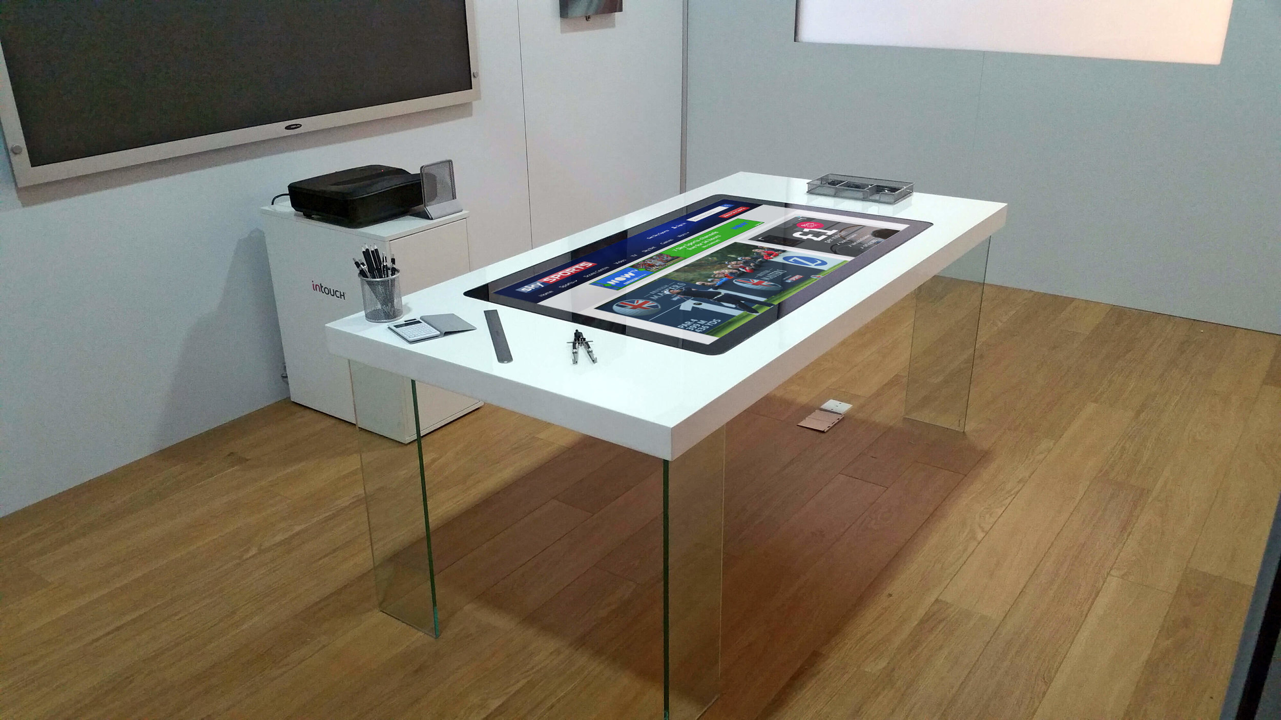 INTERACTIVE TOUCH TABLES.jpg