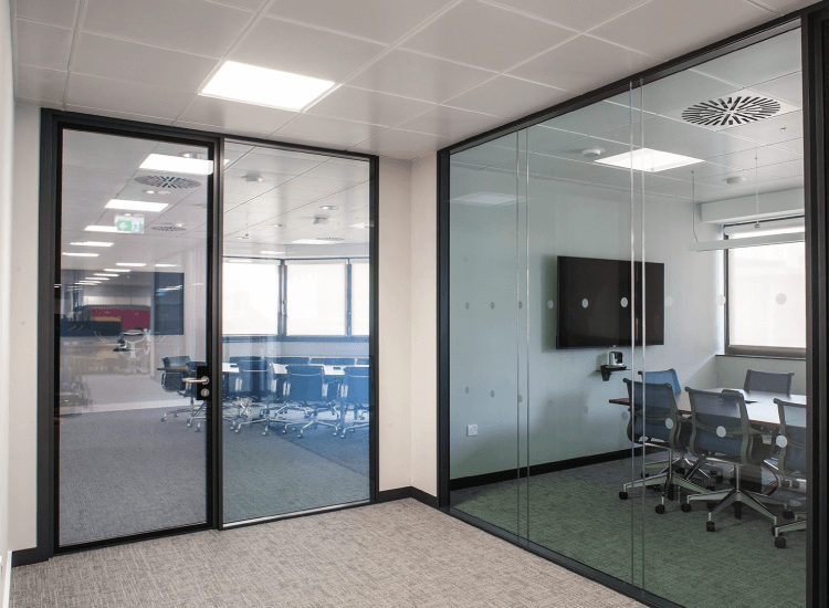 SWITCHABLE SMART GLASS - ON
