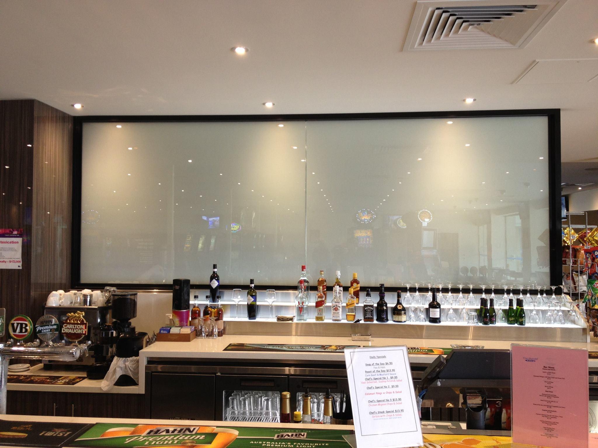 SMART GLASS IN BAR OFF.JPG
