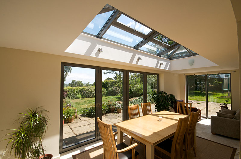 ELECTRIC GLASS ROOFLIGHT.jpg