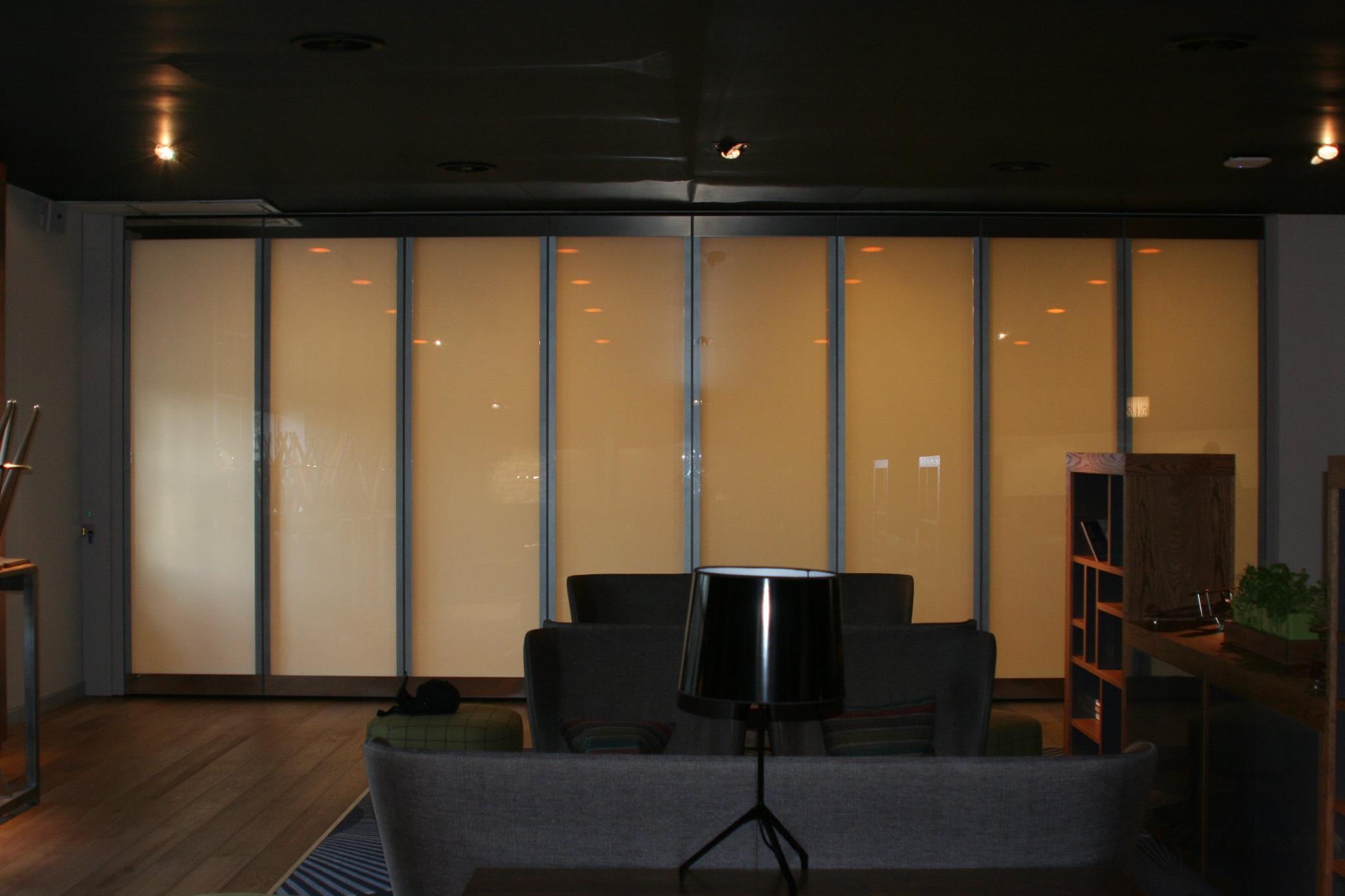 ELECTRIC PRIVACY I-GLASS BI-FOLDING DOORS PRIVATE.jpg