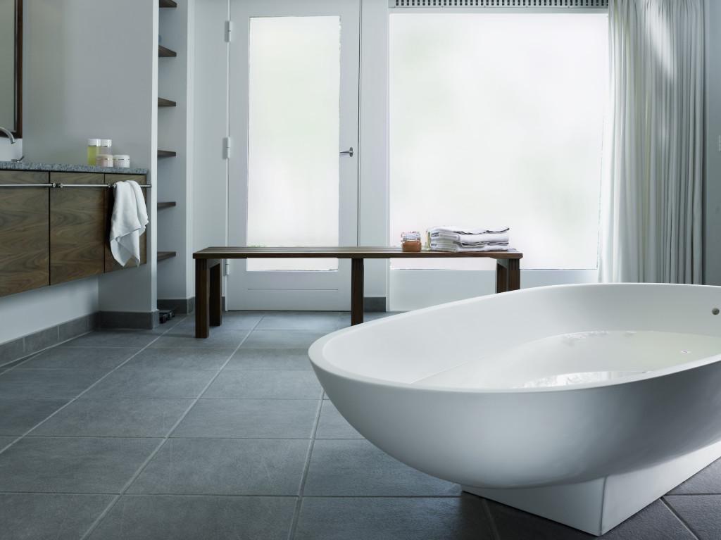 PRIVACY SMART GLASS BATHROOM PRIVATE.jpg