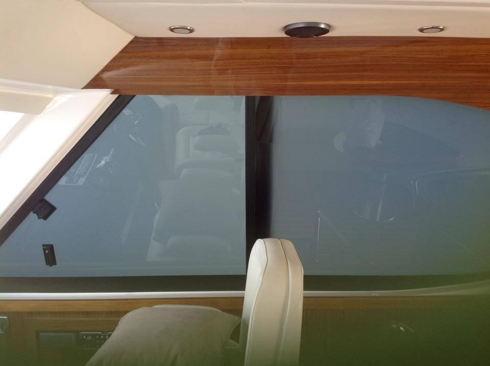 SMART GLASS YACHT WINDOW OFF.jpg