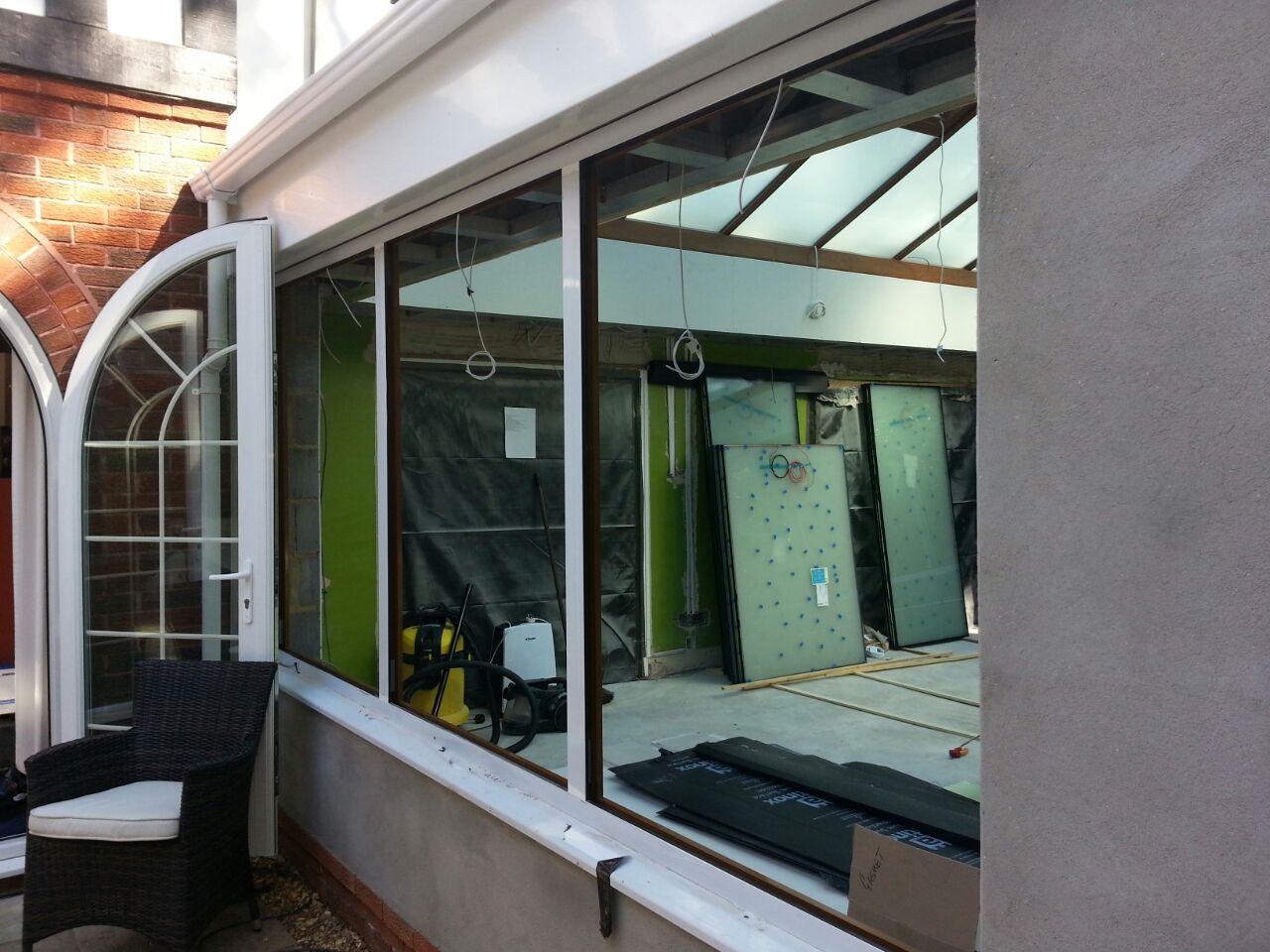 ELECRIC GLASS WINDOWS UK.JPG