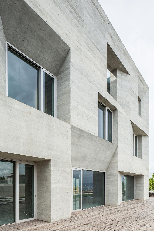 03-wohnhaus-ck-fassade-behet-bondzio-lin-architekten.jpg