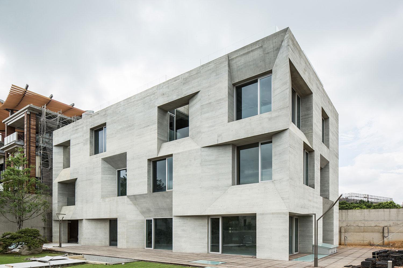 06-wohnhaus-ck-fassade-behet-bondzio-lin-architekten.jpg