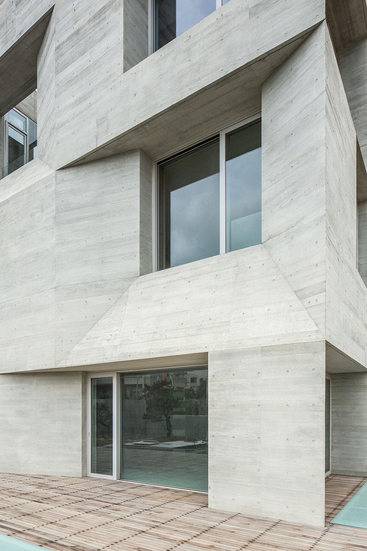 05-wohnhaus-ck-fassade-behet-bondzio-lin-architekten.jpg