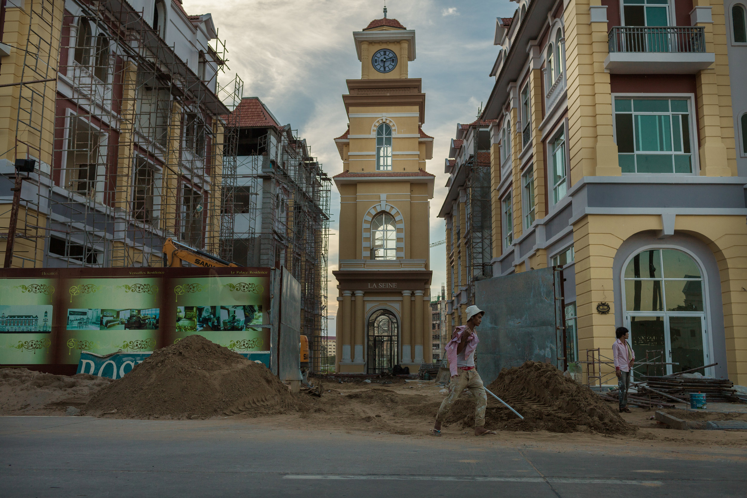 Image: Construction work in Phnom Penh © Thomas Cristofoletti