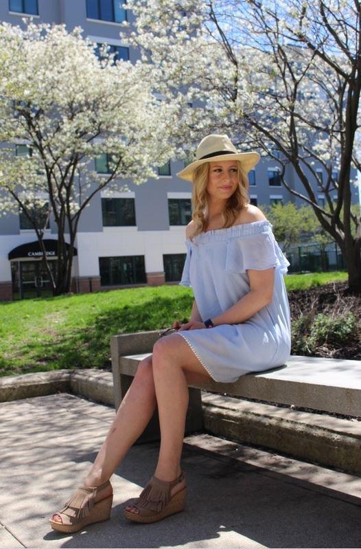 Wearing:Dress  Hat  Shoes