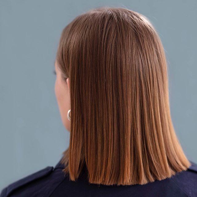 ✨Keratinbehandling✨ Før 👉 . . . #keratintreatment #keratinbehandling #sweeteezprofessional #hairdresser #frisør #straighthair #fotograf