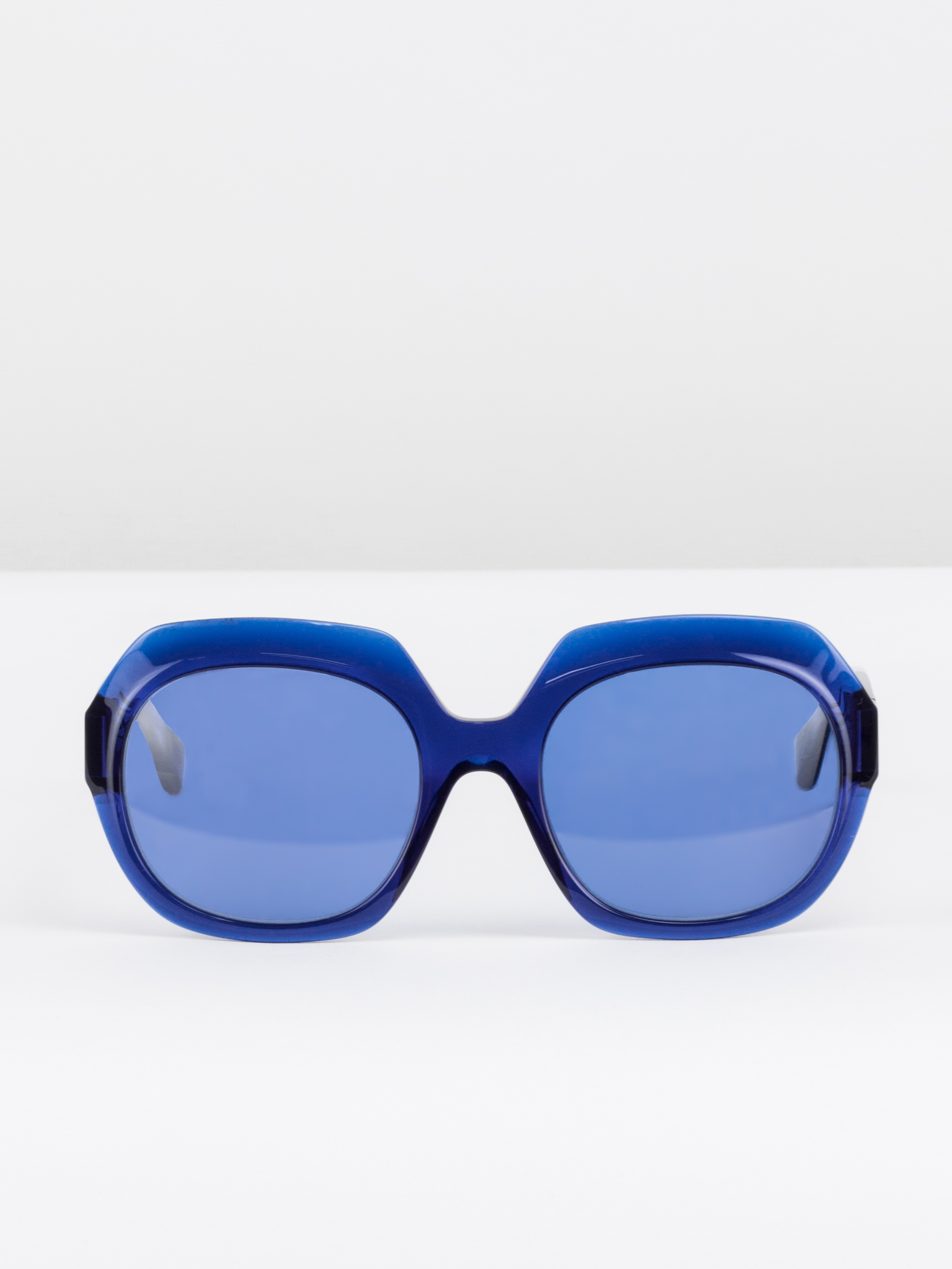 Sunglasses E-Commerce Packshot