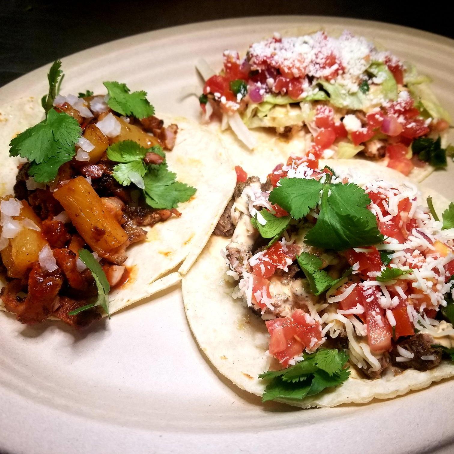 Dos Gringos Tacos - Tacos
