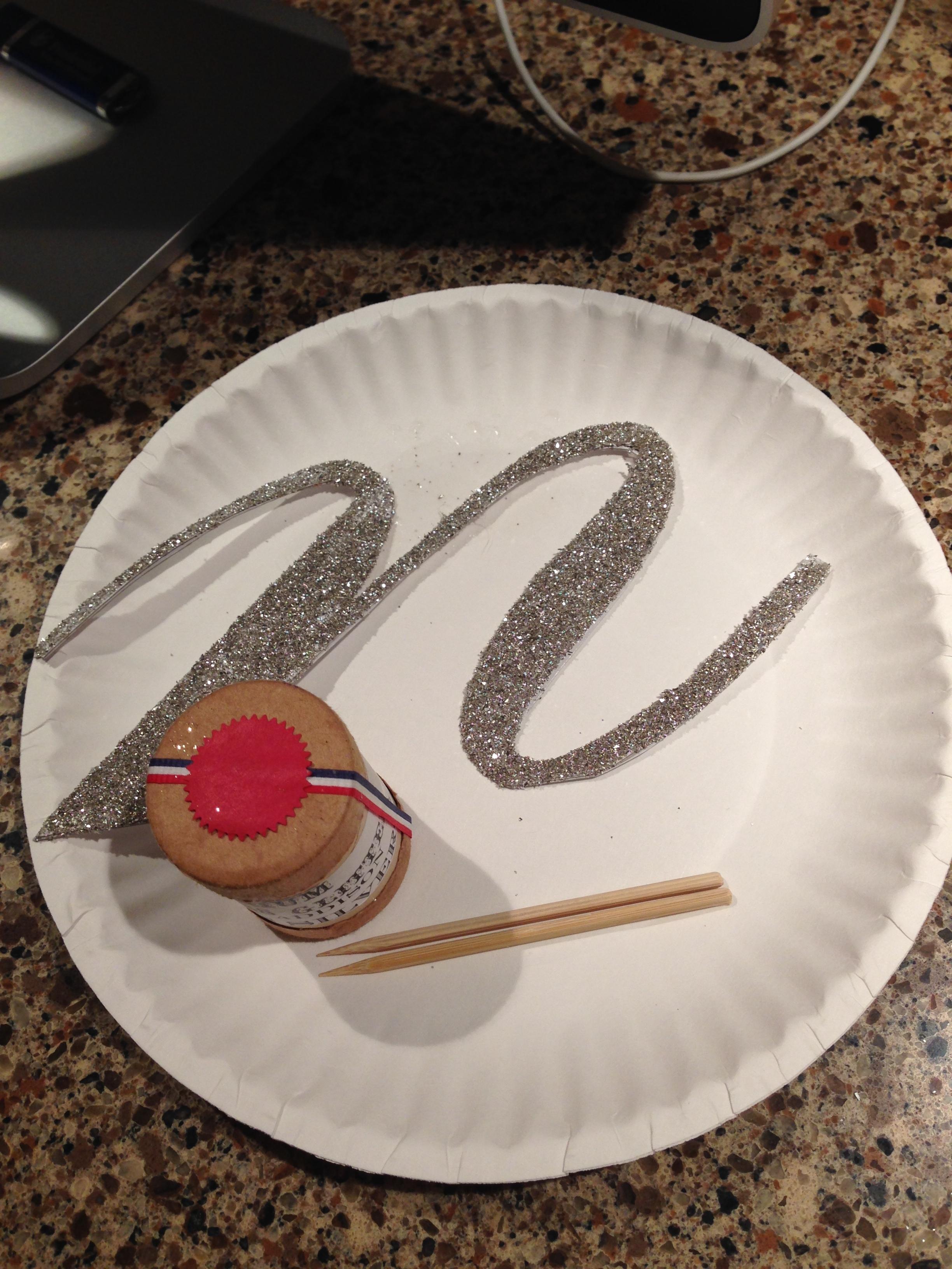 Monogram Cake Topper | @beesandbubbles
