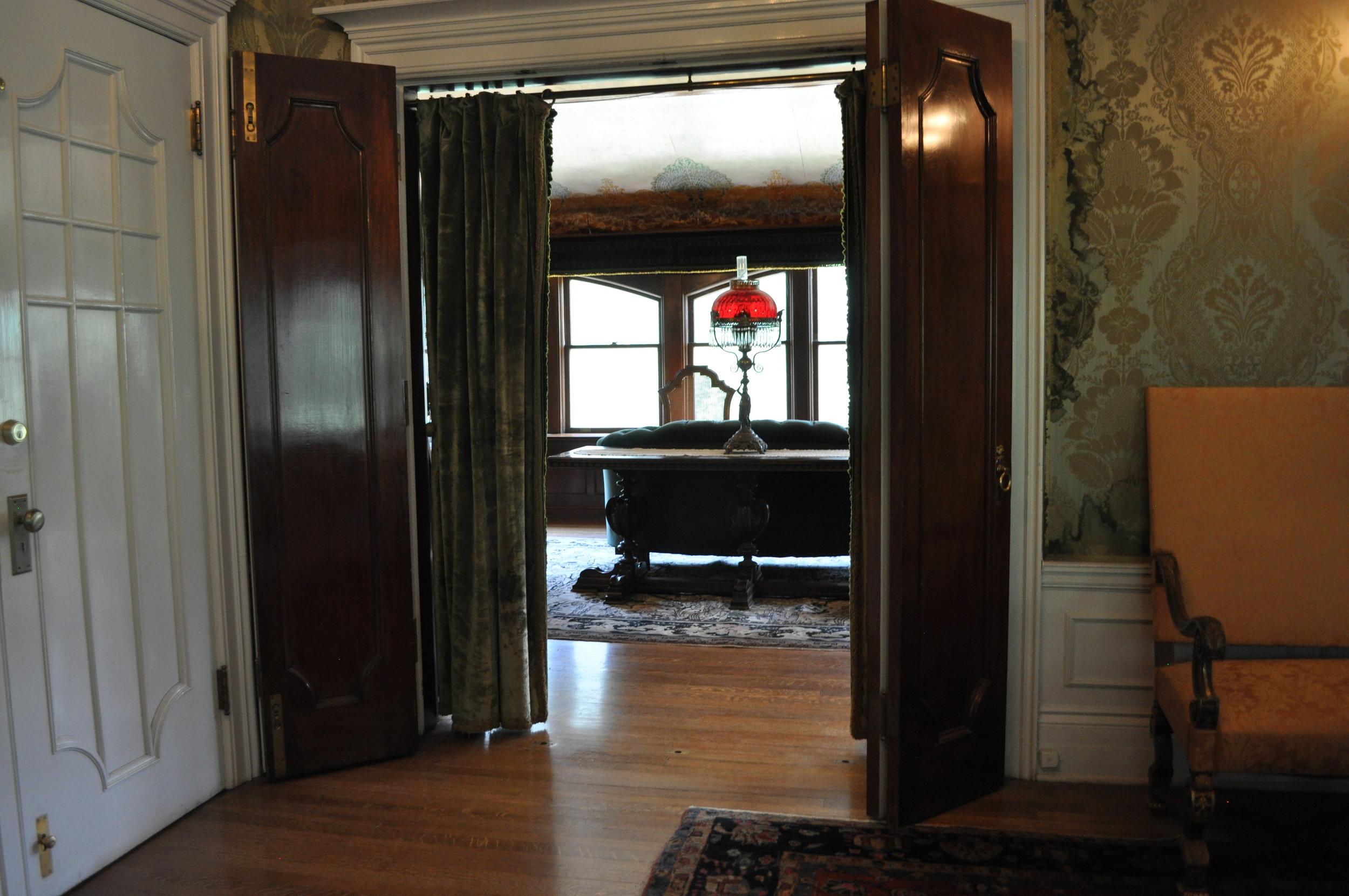 love a good door detail