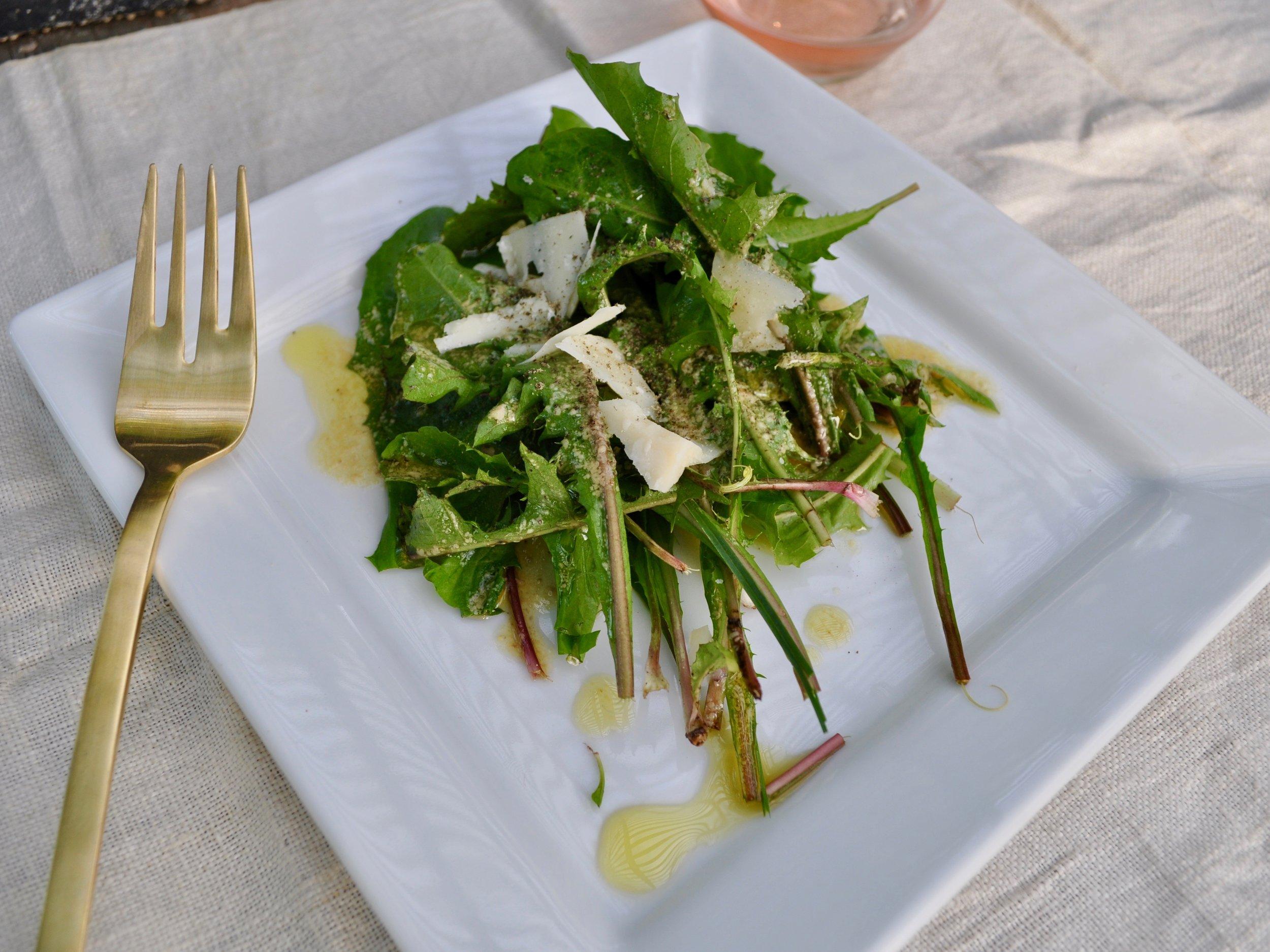 Dandelion Greens Salad   @beesandbubbles