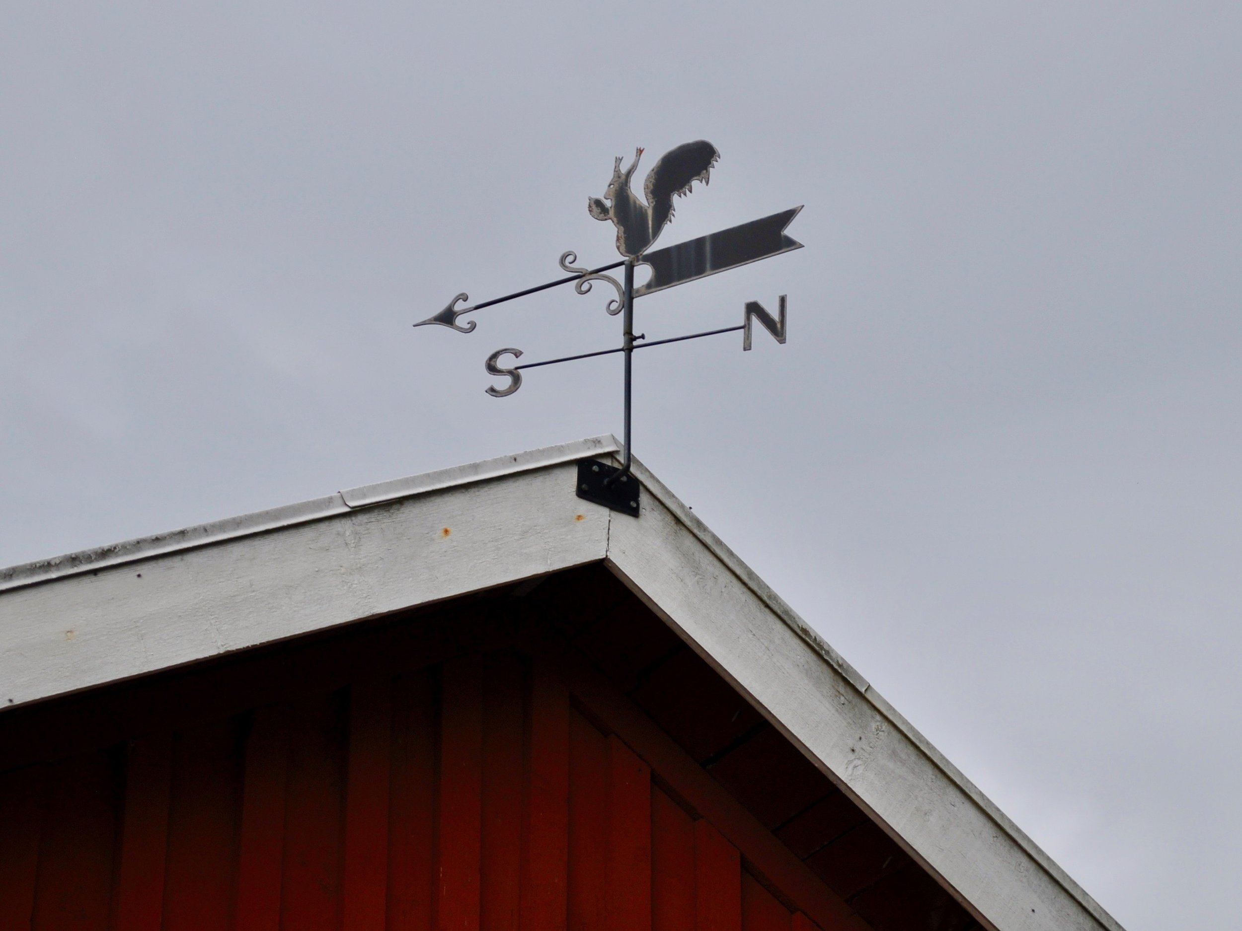 I loved this weathervane on the barn there!