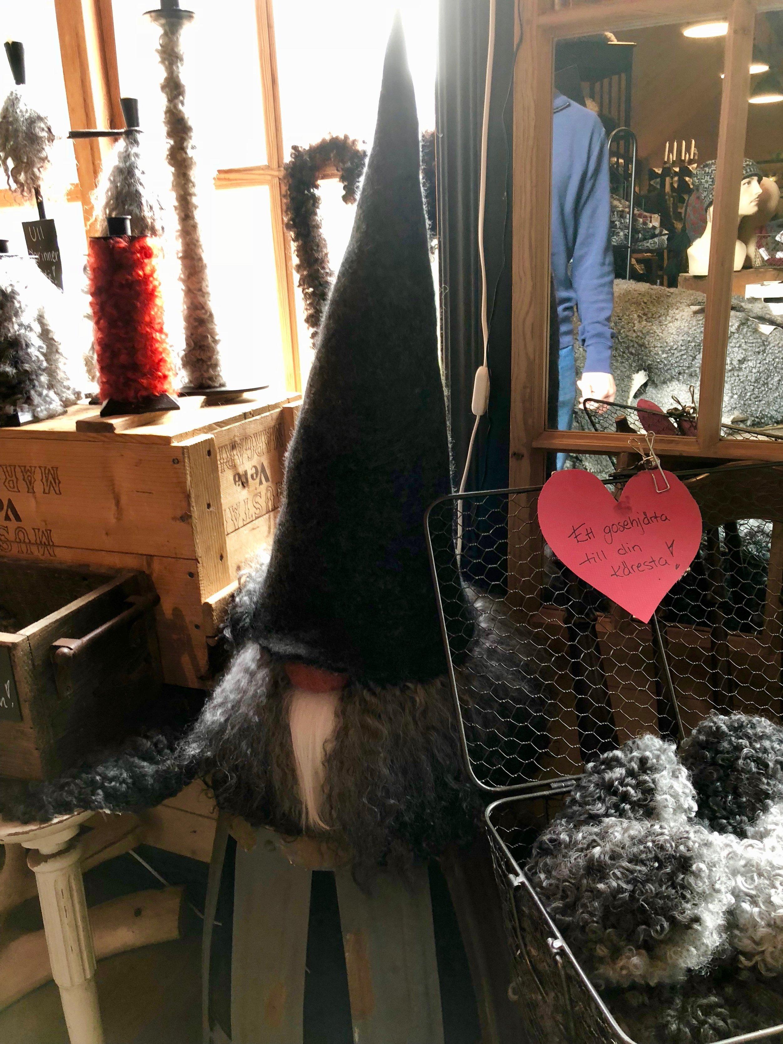 A woolen Tomte