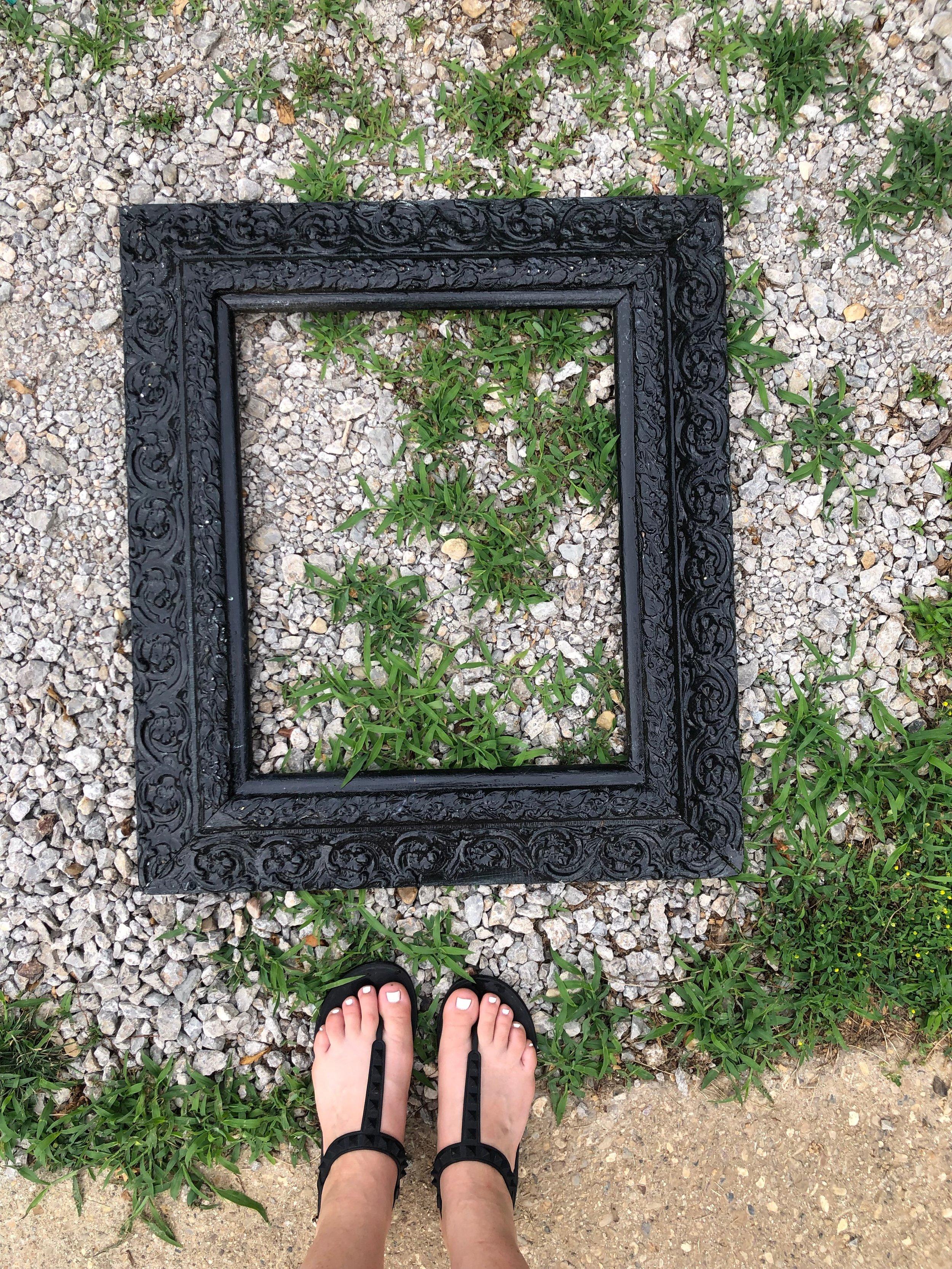 Antique Picture Frame Chalkboard | @beesandbubbles