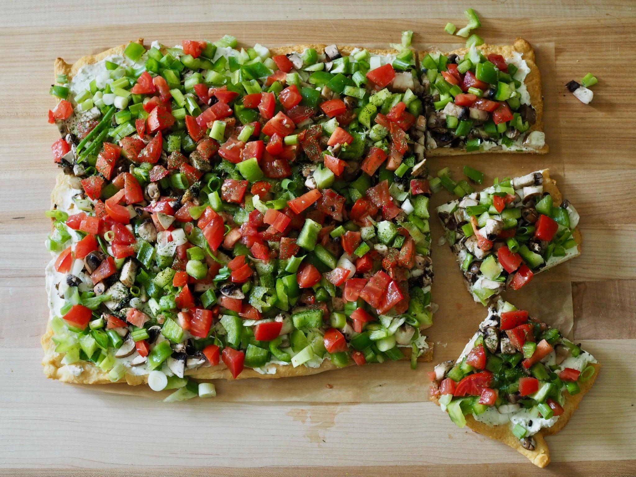 Crescent Roll Vegetable Pizza | @beesandbubbles