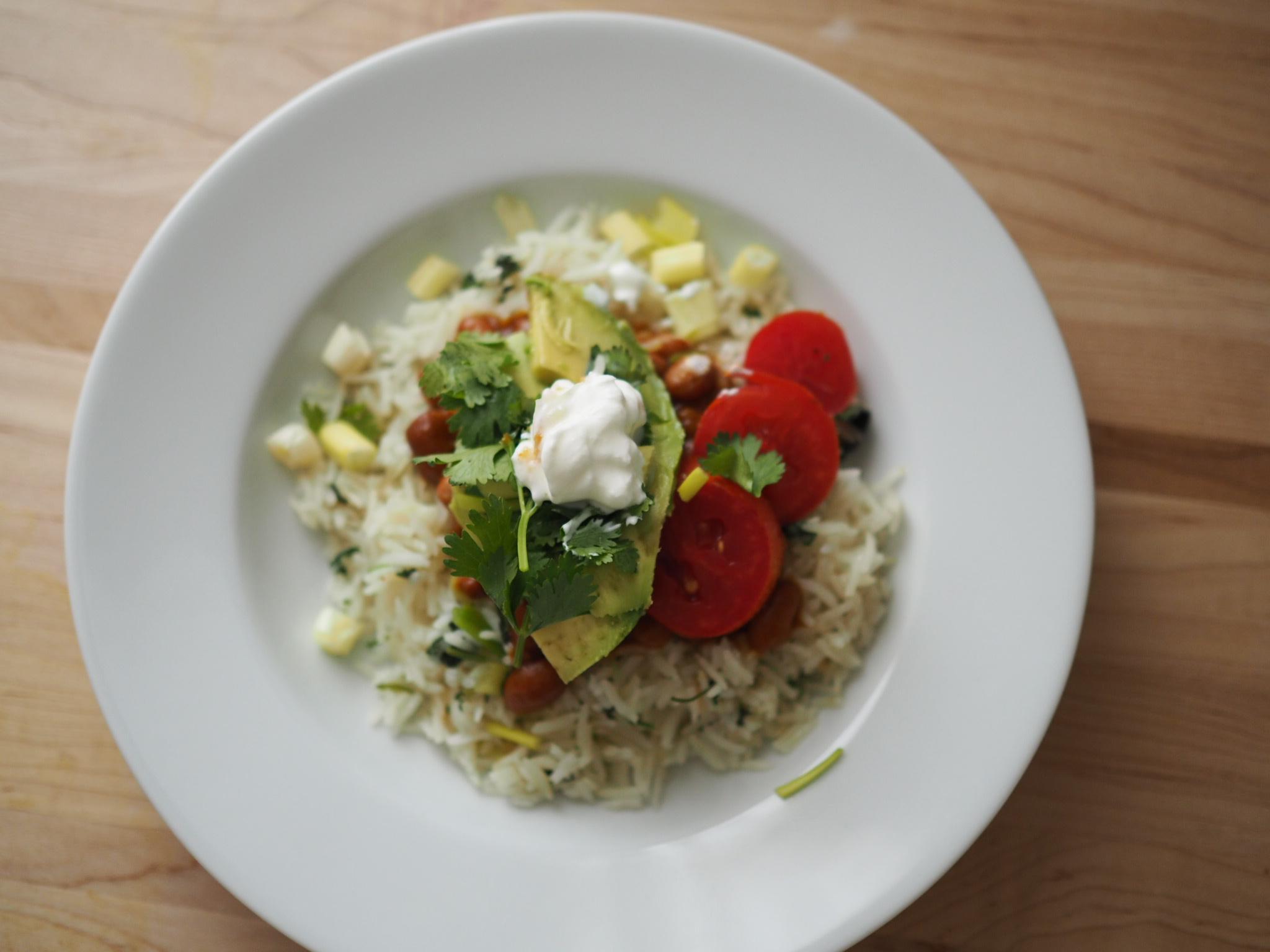Cilantro Rice and Bean Bowls | @beesandbubbles