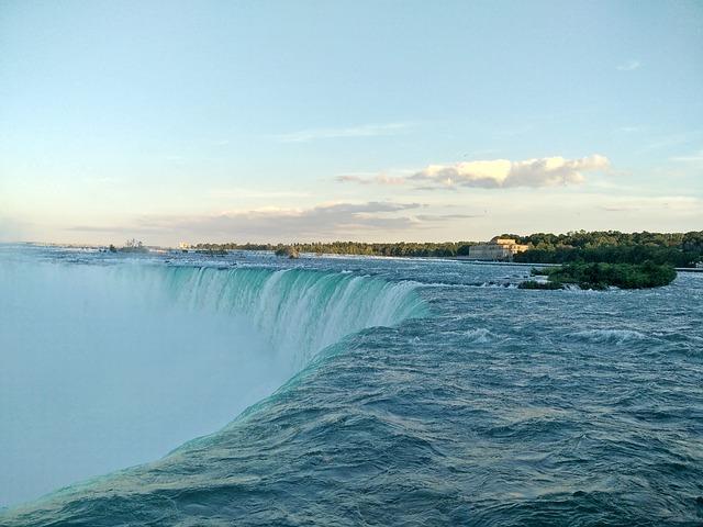niagara-falls-1678290_640.jpg