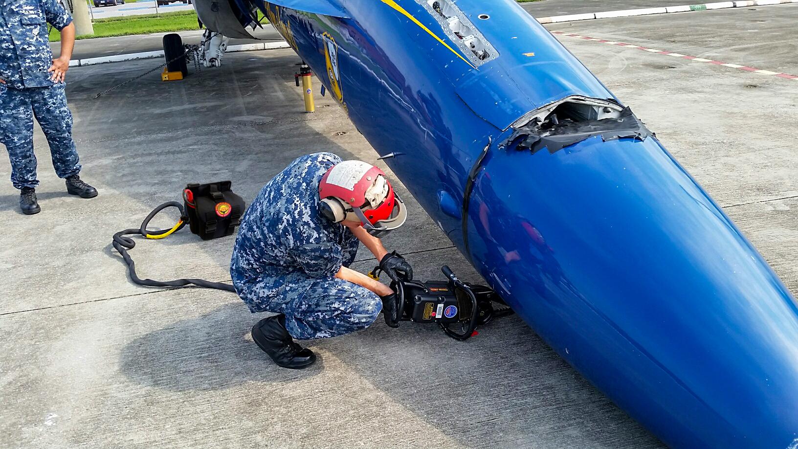 F-18-Nose-lift.jpg