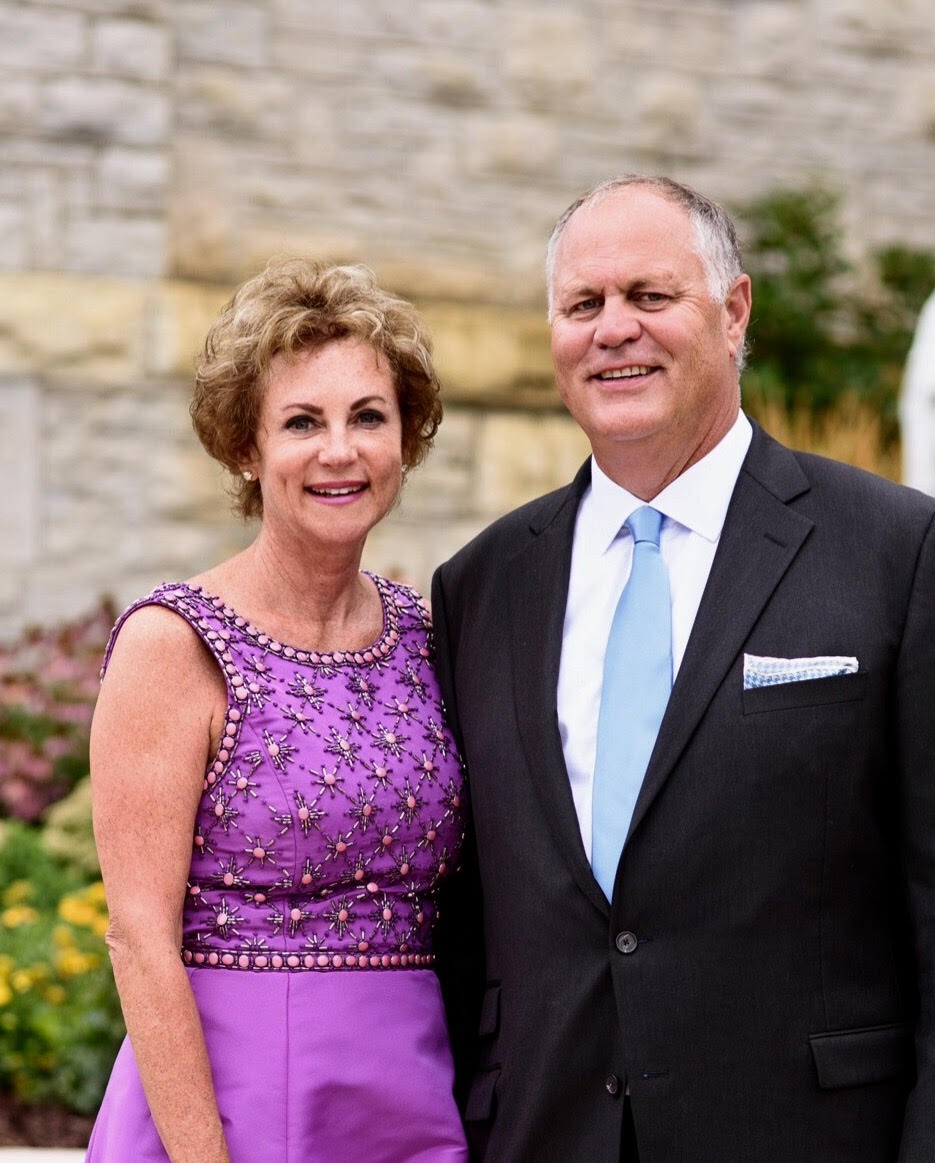 Tina and Joe Pregont will host the 2018 White Hot Party in their lovely home on Green Lake's Sugarloaf point.