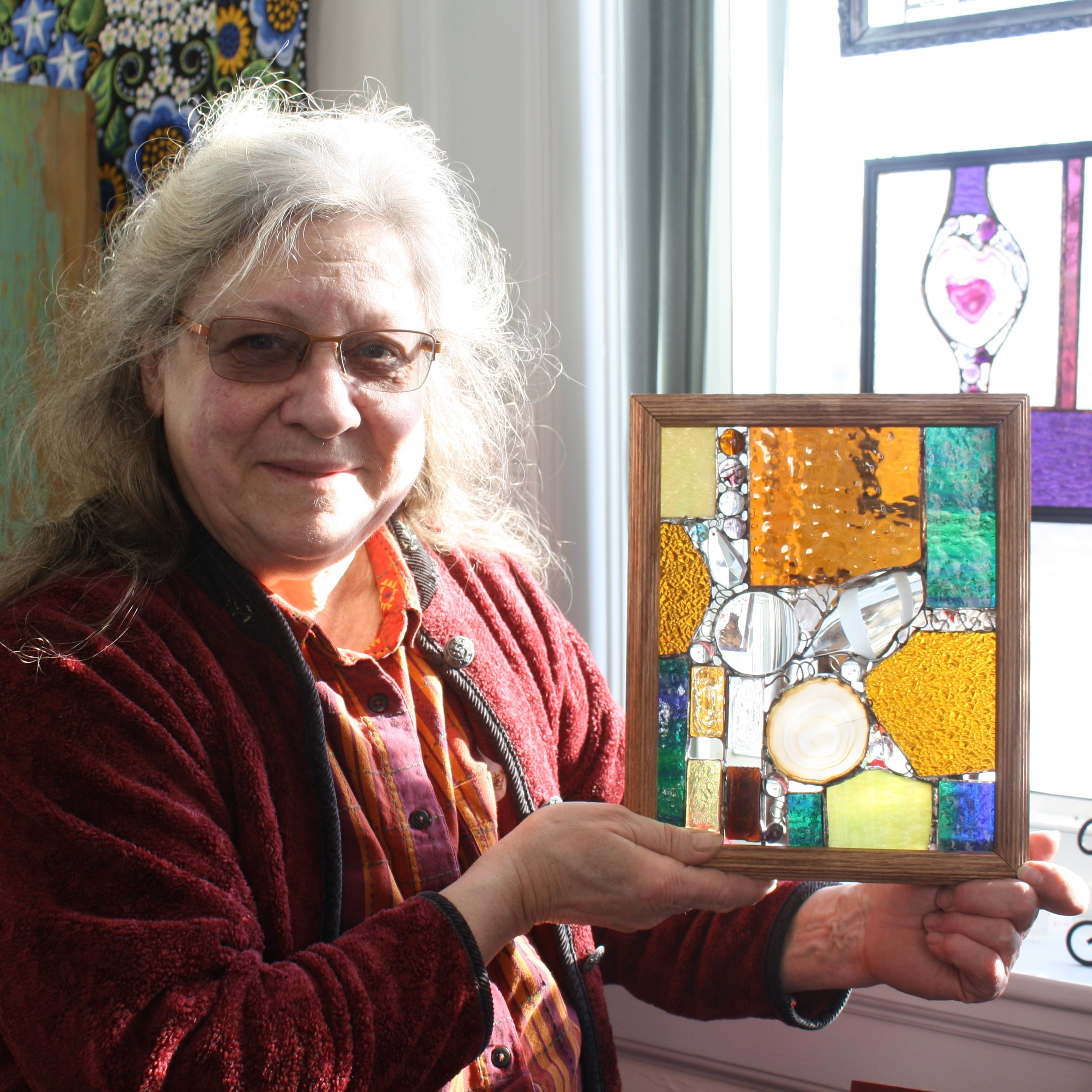 Artist Donna Marquart brings Stained Glass class to Town Square..JPG