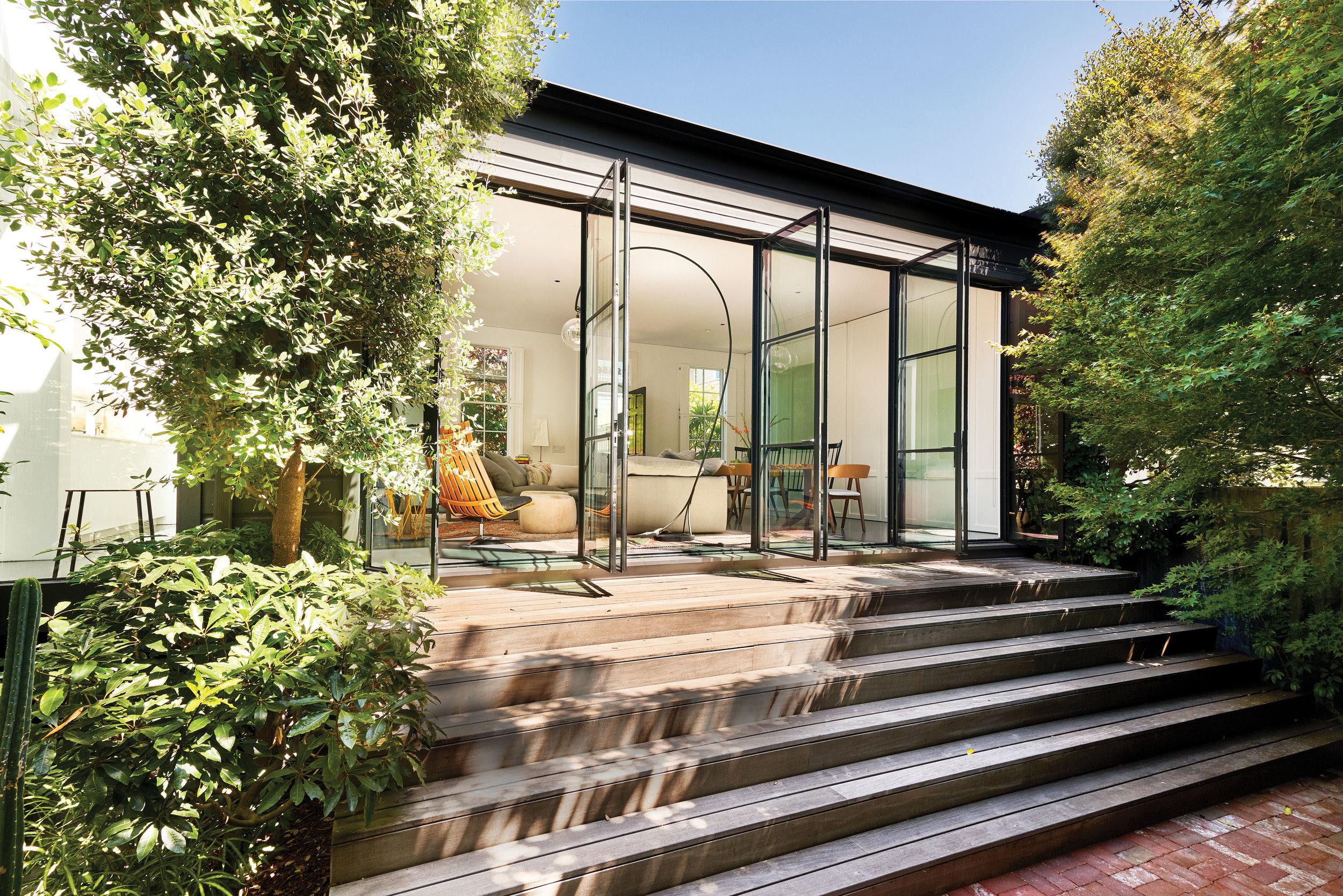 24_Lord_Schriber_Garden_doors_06199_v2.jpg