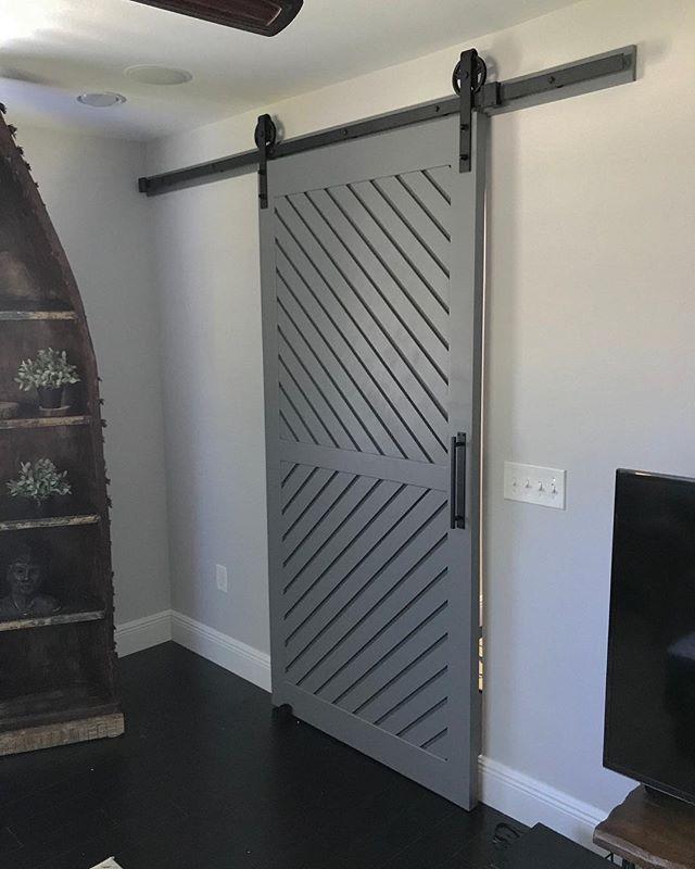 Modern Barn door finally installed! Thanks @collinsprenker 👊🏼